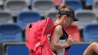 Problemy zdrowotne nie opuszczają mistrzyni Wimbledonu. Znów zeszła z kortu