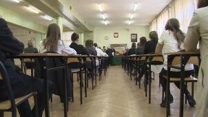 Likwidacji gimnazjów nie chcą również księża. PiS przedłuża konsultacje