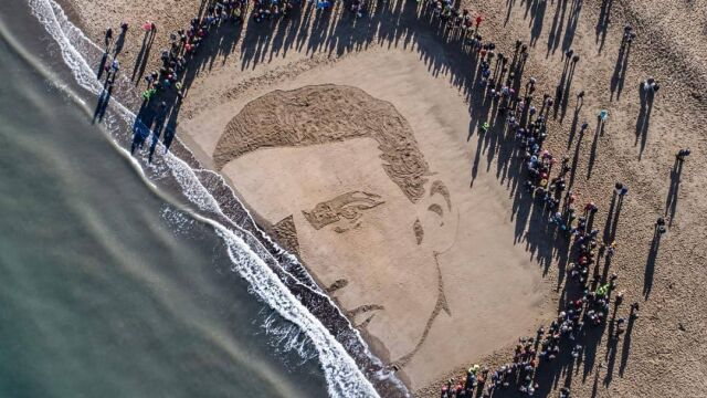 He was honored to remember heroes on the British beaches
