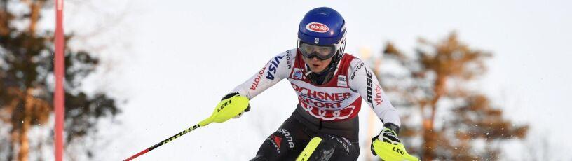 Shiffrin prowadzi na półmetku slalomu w Levi