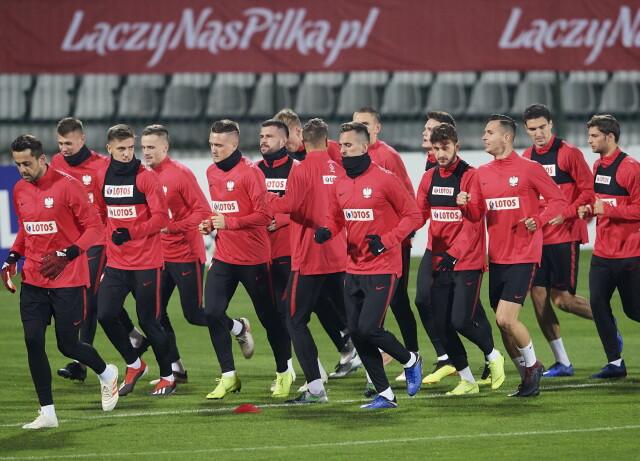 Lewandowski został w hotelu. Reprezentacja trenowała bez czterech graczy