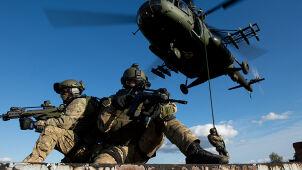 Pierwsi cywile na testach do sił specjalnych.