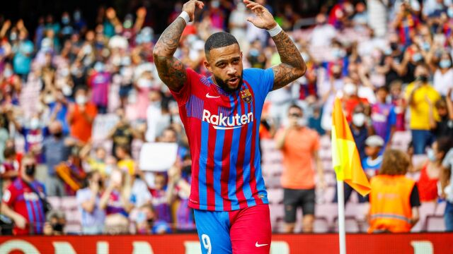 Umarł król, niech żyje król. Depay znów bohaterem Barcelony