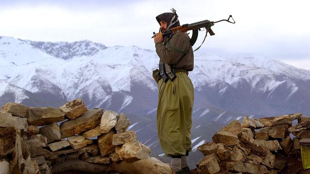 Tureccy Kurdowie przybyli do Syrii, by walczyć z dżihadystami