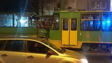 Zderzenie trzech tramwajów w Poznaniu. 10 rannych, motorniczy uwięziony