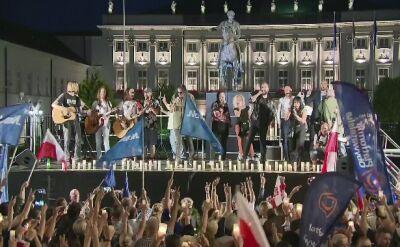 Warszawa. Demonstracja przed Pałacem Prezydenckim