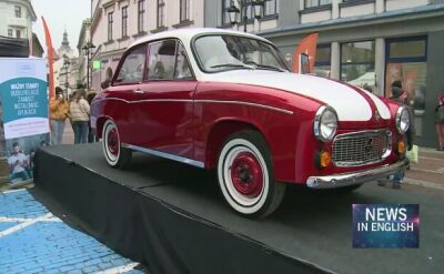 Tom Hanks restores Polish car to raise money for psychiatric ward