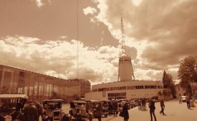 Przez Poznań przejechały zabytkowe auta. Tak uczcili 90-lecie Pewuki