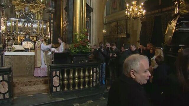 Msza na Wawelu. Rocznica pogrzebu Lecha i Marii Kaczyńskich