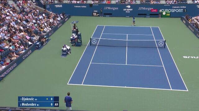 Przełamanie dla Miedwiediewa w pierwszym gemie finału US Open z Djokoviciem