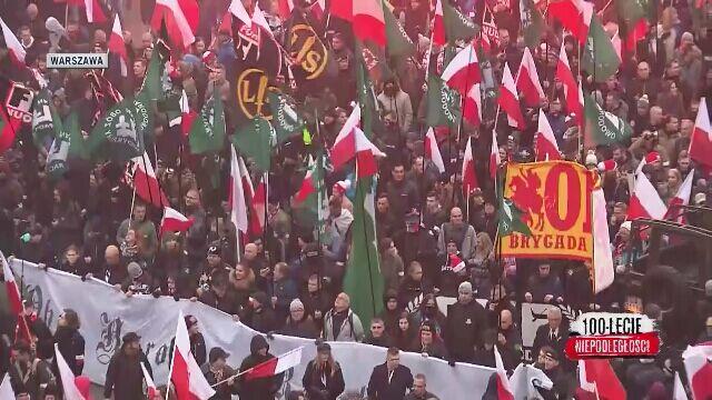Włoscy neofaszyści, płonąca unijna flaga i race w Warszawie
