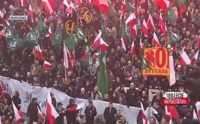 """Flagi ONR i """"Forza Nuova"""" na marszu narodowców w Warszawie"""