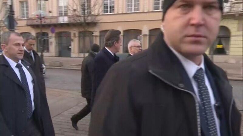David Cameron na spacerze w Warszawie