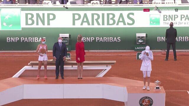 Polski hymn na korcie centralnym w Paryżu