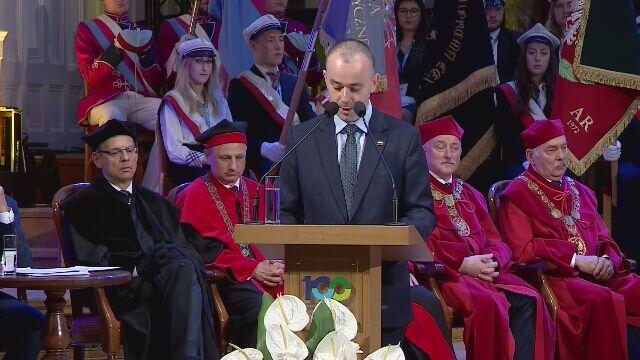 Paweł Mucha odczytał list prezydenta Dudy z okazji 100-lecia Uniwersytetu Poznańskiego