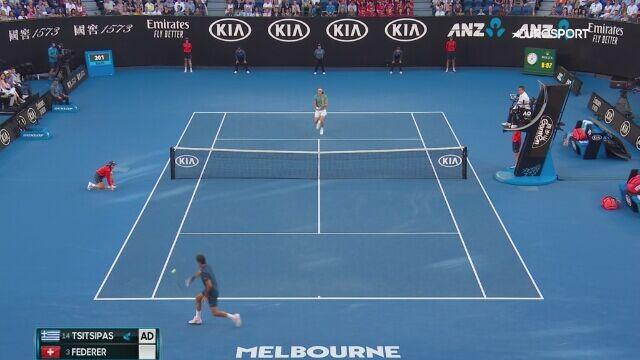 Zobacz, jak Tsitsipas pożegnał Federera
