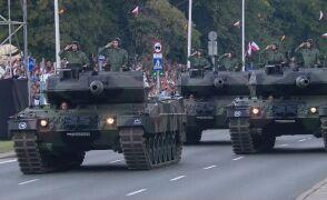 Przejazd czołgów Leopard 2A5