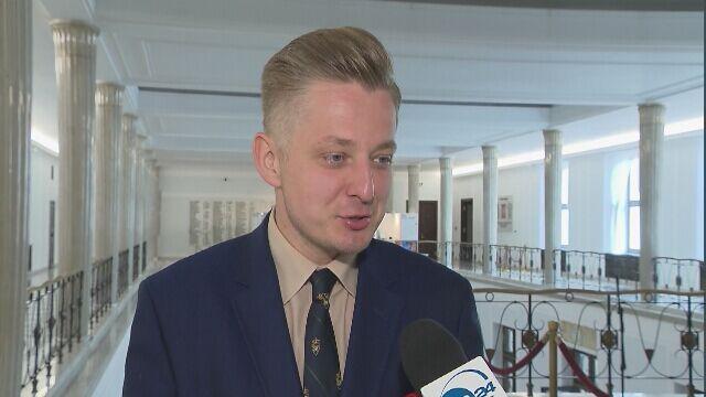Stefaniak: rozumiem, że Morawiecki jako bankier zna się na operacjach, które przynoszą zysk, ale to nie jest w porządku