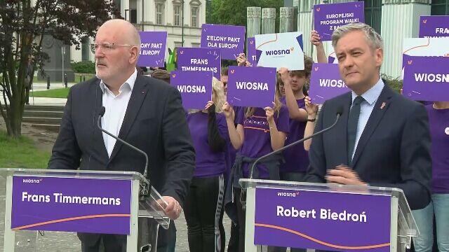 Biedroń i Timmermans na wspólnej konferencji w Warszawie