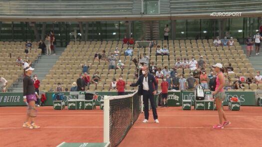 Skrót meczu 2. rundy Roland Garros Iga Świątek - Rebecca Peterson
