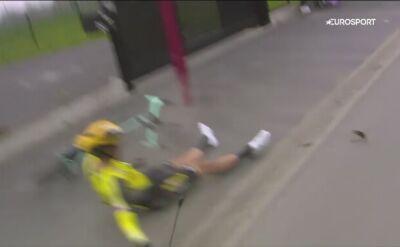 Problemy Van Aerta podczas Paryż - Roubaix