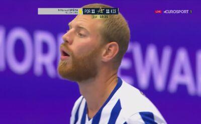 Piękna wkrętka Sigvaldiego Gudjonssona w meczu Porto - Łomża Vive Kielce
