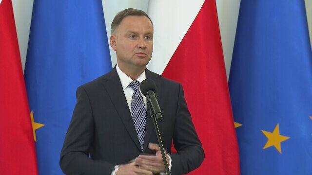 Andrzej Duda po przyznaniu Kubie Błaszykowskiemu odznaczenia