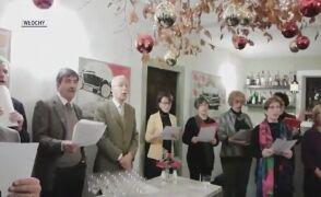 """Samuele Corolo i przyjaciele śpiewają """"Cichą noc"""" po włosku"""