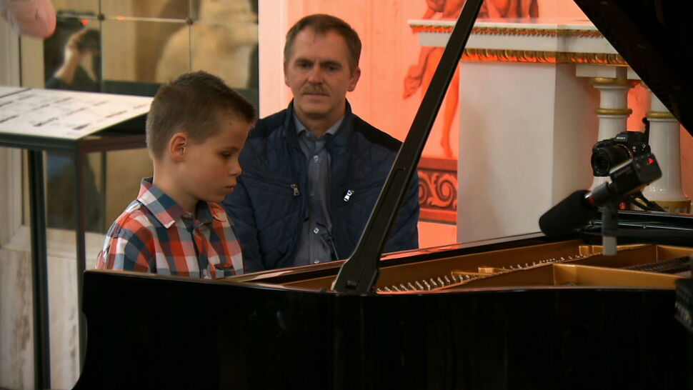 Magiczny koncert w Łazienkach Królewskich. Wielka niespodzianka dla małego Igora