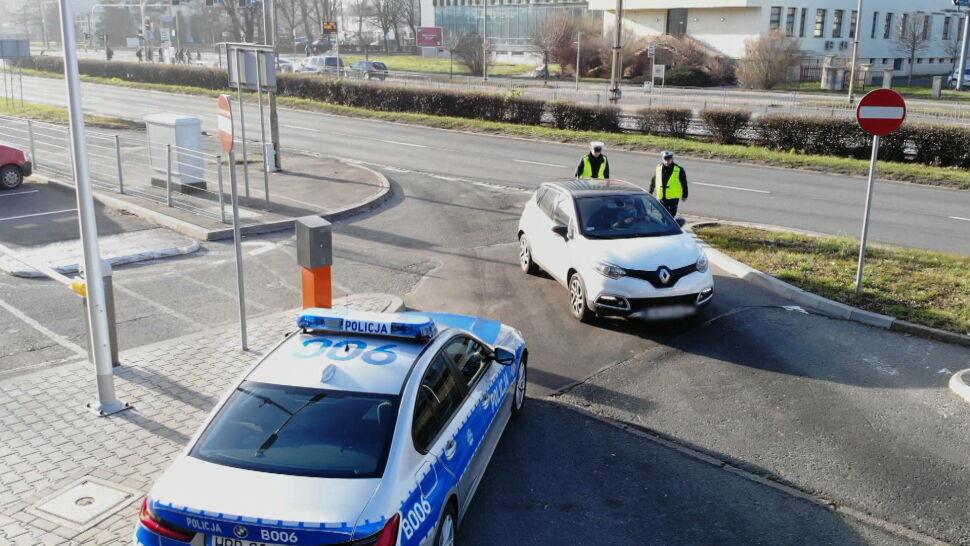 Duże ułatwienie dla kierowców. Koniec z obowiązkiem posiadania przy sobie prawa jazdy