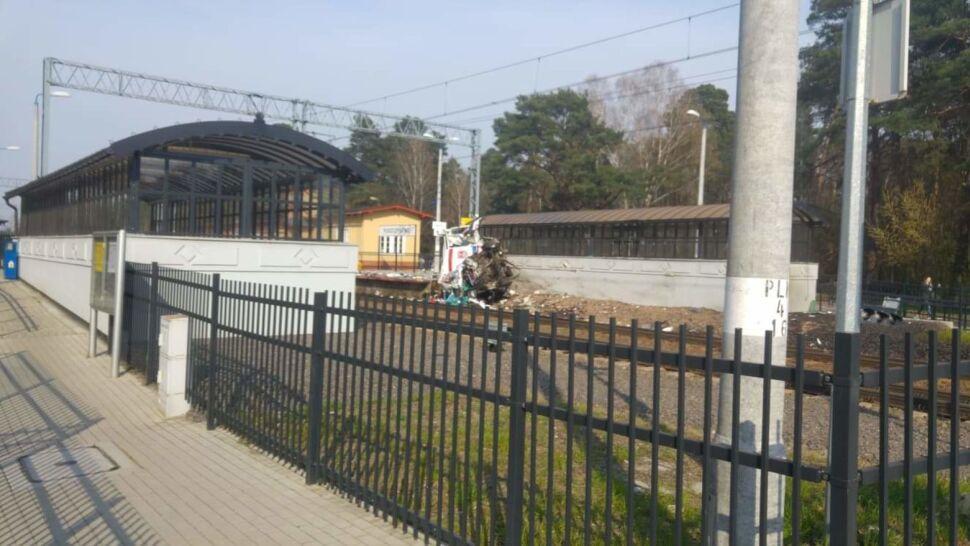 Pociąg wjechał w karetkę na przejeździe kolejowym