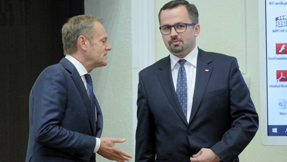 Spór wokół luki VAT. Możliwe kolejne przesłuchanie Tuska przed komisją