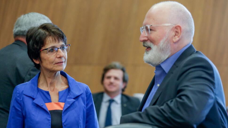 Europosłowie PiS kontra wiceszef PE. Beata Kempa starła się z Timmermansem
