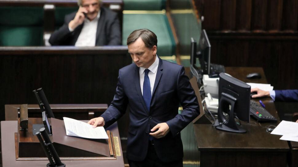Morawiecki murem za Ziobrą. Minister sprawiedliwości zostaje na stanowisku