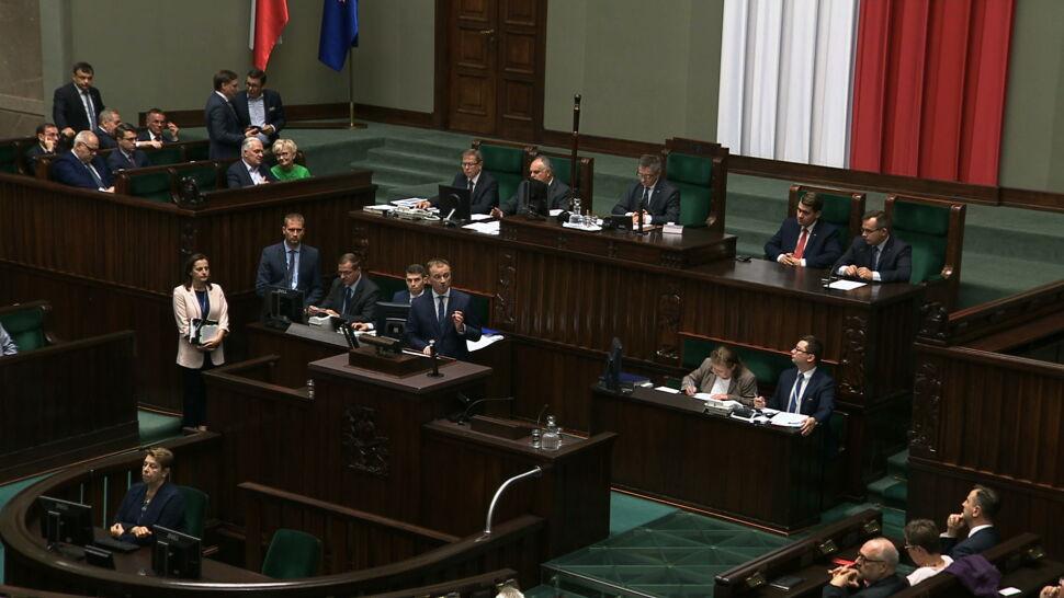 Loty marszałka Kuchcińskiego. Posłowie PO zwrócili się do KPRM po dokumenty