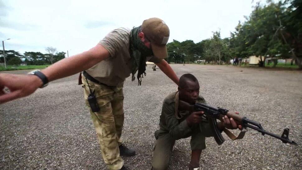 """Szkolenia żołnierzy, kopalnie diamentów i lekcje języka. """"Rosjanie wracają do Afryki"""""""