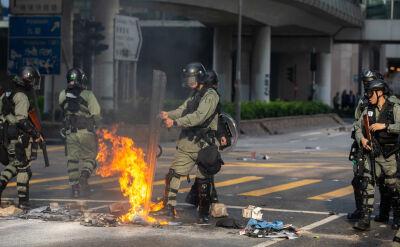 Hongkong wciąż ogarnięty protestami. 21-latek postrzelony przez policję
