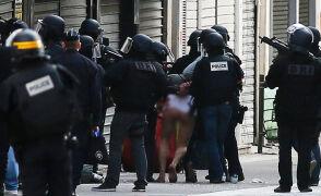 18.11.2015 | Poranna obława w Paryżu. W strzelaninie w Saint-Denis zginęły dwie osoby