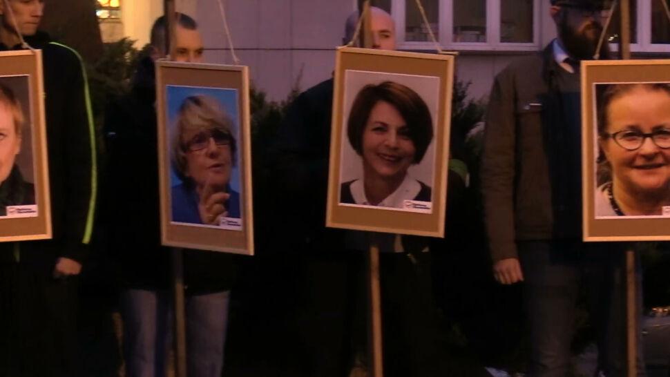 Prokuratura przedłuża śledztwo w sprawie portretów europosłów na szubienicach