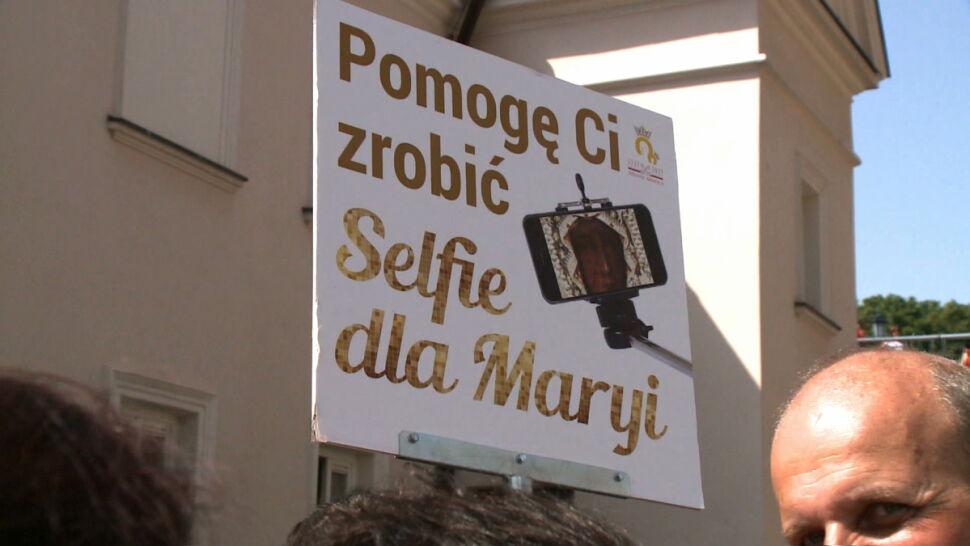Selfie dla Maryi. Inicjatywa ma uczcić 300. rocznicę koronacji częstochowskiego obrazu