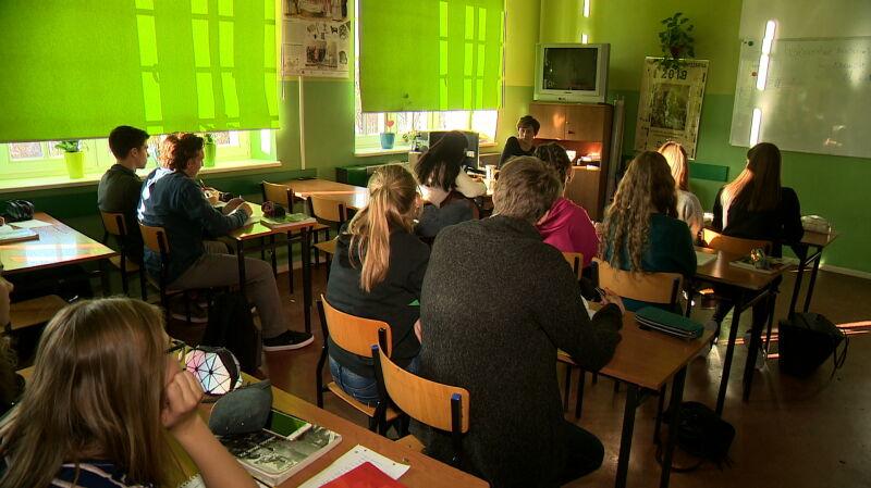 Polscy 15-latkowie w czołówce badania PISA. Wracają pytania o likwidację gimnazjów