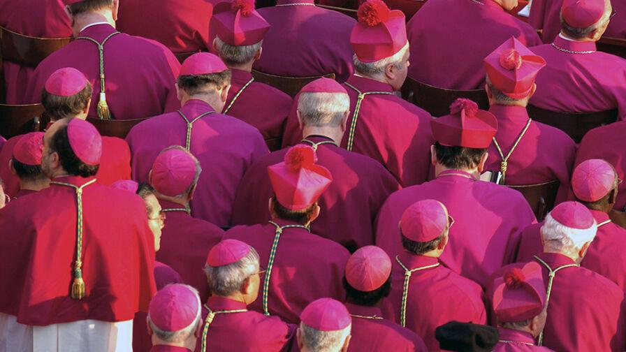 """Czy biskupi powinni ponieść konsekwencje afery pedofilskiej? Sondaż dla """"Faktów"""" TVN i TVN"""