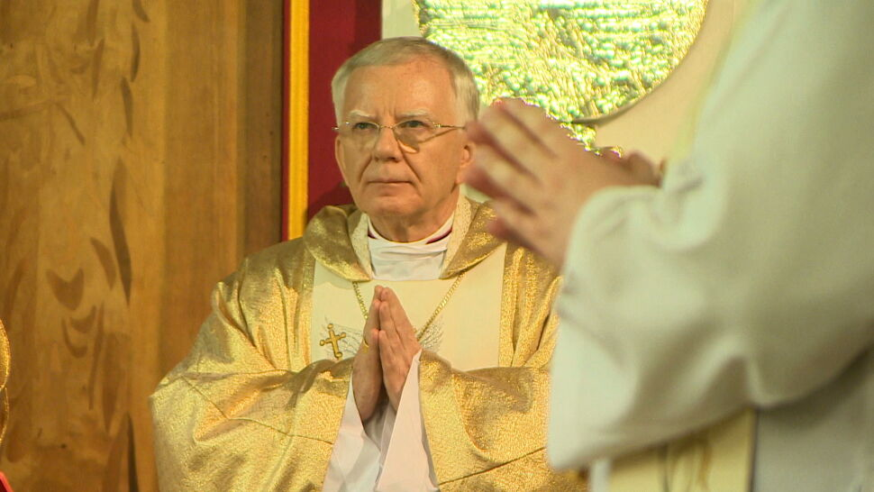 Protesty przeciw udziałowi arcybiskupa Jędraszewskiego w obchodach stulecia istnienia liceum