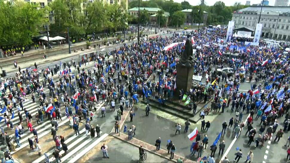 """Wystąpienie Tuska podczas marszu Koalicji Europejskiej. """"Politycy unijni powinni zareagować"""""""