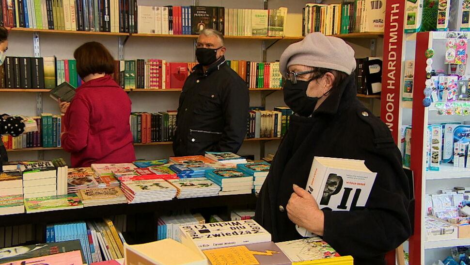 Ile książek czytają Polacy? Biblioteka Narodowa opublikowała raport