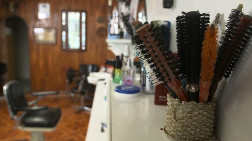 Tarcza antykryzysowa ma objąć także fryzjerów, ale potrzebna jest zgoda KE