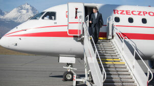 Should prosecutor investigate Marshal Kuchciński's flights scandal? Poll for
