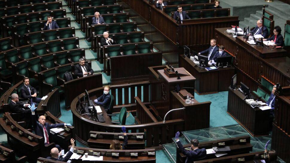 Korespondencyjne wybory prezydenckie? Ustawa przyjęta w Sejmie, czas dla Senatu