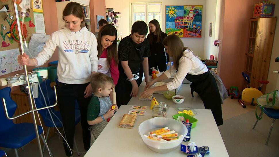 """Chore dzieci też mogą cieszyć się świętami. Zadbali o to kucharze z """"MasterChefa"""" TVN"""