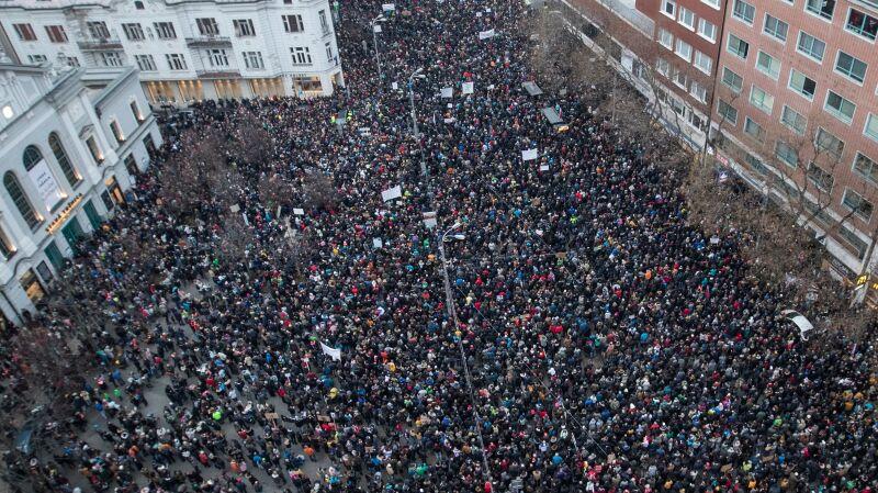 Słowacy protestują. Domagają się udziału niezależnych ekspertów w śledztwie dotyczącym śmierci Jána Kuciaka